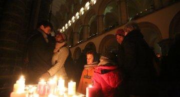 La Cathédrale illuminée pour les Droits humains.