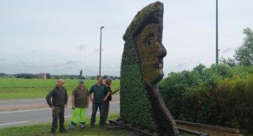 Madame Goliath à la porte de Tournai !