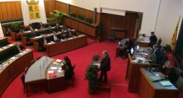 Deux questions d'actualité au Conseil provincial