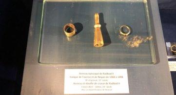 Retour des objets épiscopaux de Baudouin Ier et Radbod II au Trésor de la Cathédrale de Tournai.