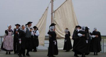 Recrutement de danseuses(seurs) amateurs pour apprendre des danses bretonnes - Les [rencontres] Inattendues